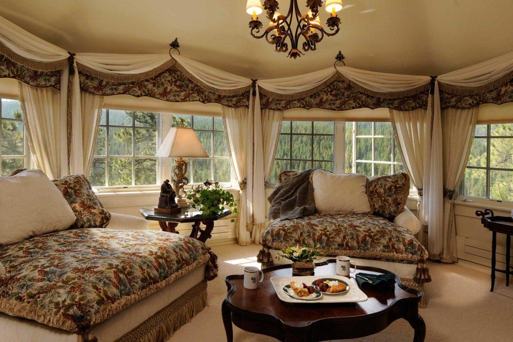 Manor-House_master_sitting_rm_
